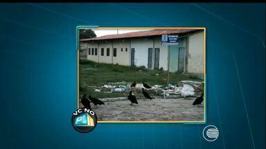 VC no PI TV: lixo e mato ficam acumulados em terreno do bairro Novo Horizonte - VC no PI TV: lixo e mato ficam acumulados em terreno do bairro Novo Horizonte