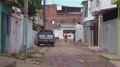 Jovem reage a assalto e é assassinado em Olinda - Crime aconteceu na noite de segunda-feira (19), no bairro de Peixinhos.
