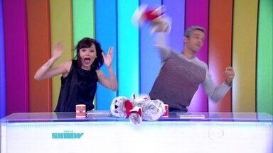 Monica Iozzi e Otaviano Costa levam um 'foca em mim' - Vídeo Show mostra papéis de Welder Rodrigues