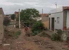 Demora nas obras do Orçamento Participativo prejudica moradores, em Caruaru - Apesar da população participar das reuniões, eles reclamam que o tempo entre apontar a obra necessária e a concretização do projeto é muito longo.