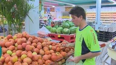 Preço do tomate assusta consumidores em Rondônia - Preço do produto subiu 100%.