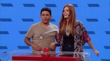 Giovanna Lancelotti e Junior Lima disputam o Acerte o Desenho - Famosos ajudam anônimos na busca por cinco mil reais