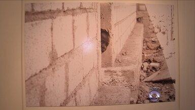 Exposição na capital retrata haitianos durante terremoto no país em 2010 - Exposição na capital retrata haitianos durante terremoto no país em 2010