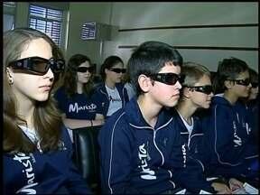 Aulas em 3D são novidades em escola de Erechim, RS - O uso de novas tecnologias foi a forma encontrada para motivar e incentivar os alunos em sala de aula.
