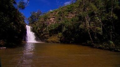 Três cachoeiras são recompensa de trilhas no Parque Indaiá - O parque fica a 60Km de Brasília. A trilha exige disposição e equilíbrio. A época mais indicada é o período de seca, em que o risco de cheia repentina é bem menor.