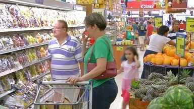 Comércio aposta no Dia dos Namorados para recuperar vendas - Festas juninas e férias escolares também são eventos esperados pelo setor