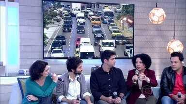 Convidados repercutem o congestionamento nas grandes cidades - Marcus usa skate como meio de transporte há quatro anos