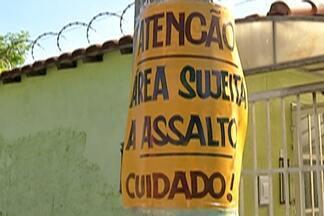 Polícia Militar reforça segurança no bairro do Rancho Grande, em Itaquaquecetuba - Moradores do bairro chegaram a espalhar cartazes nos pontos mais violentos.