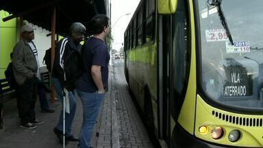 Passagem dos ônibus municipais sofre reajuste em Volta Redonda, RJ - Tarifa passa de R$ 2,65 para R$ 2,95, diz prefeitura; aumento de R$ 0,30 representa acréscimo de 11%. Presidente da Suser fala sobre a implantação do bilhete único.