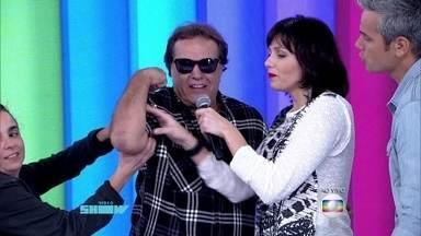 Dennis Carvalho diz que está solteiro e quer se casar com Monica Iozzi - Ele e a diretora Maria de Médicis invadem o Vídeo Show ao vivo