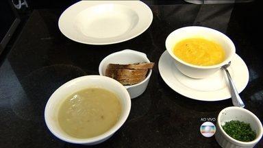 Sopas cremosas com babatas baroa e doce são opções saudáveis para os dias frios - O chef de cozinha Carlos Carneiro ensina o preparo de duas sopas deliciosas e que ainda ajudam a manter a dieta.