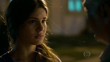 Capítulo de 08/06/2015 - Carolina descobre traição e se muda com Arlete para SP