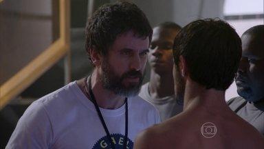 Gael diz que Cobra foi um guerreiro - Cobra lamenta a derrota e vai para o vestiário
