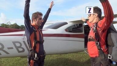 Acompanhe o salto radical de paraquedas de Moacyr Massulo - Neste programa, você vai ver todos os detalhes dessa aventura pra lá de radical.