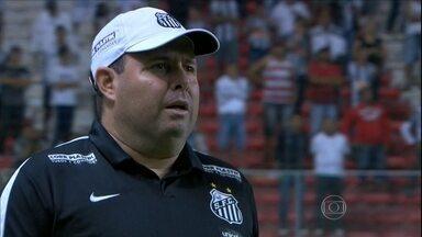 Comitê diz não a Oswaldo e Marcelo Fernandes segue como técnico do Santos - Oswaldo de Oliveira chegou muito perto de ser recontratado pelo Peixe
