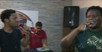 JPB2JP: Banda Dois Africanos conta com votação dos paraibanos para se classificar - Grupo volta a se apresentar no programa Superstar neste domingo.