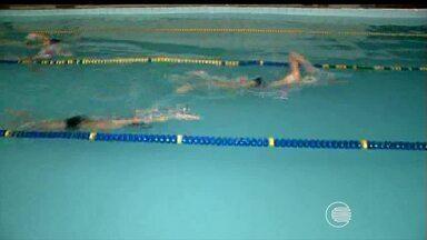 Turma de nadadores treina para Campeonato Teresinense de Natação - Turma de nadadores treina para Campeonato Teresinense de Natação
