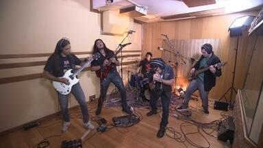 Bandas selecionadas para o Brasília independente gravam no estúdio - Uma das bandas té a única representante do pagode no festival. A outra vai levar o heavy metal.