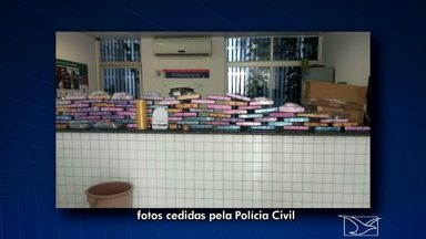 Mãe e filho são presos em São Luís por tráfico de drogas - Rosa Maria dos Santos Veras e Ricardo Huan Santos Veras, de 19 anos, foram presos na Vila Cabral, em Pedrinhas, depois de uma investigação do Departamento de Narcóticos. Com eles foram apreendidos 78 tabletes de maconha.