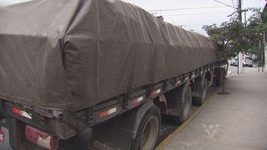 Caminheiros são feitos reféns em Santos, SP - Denúncia anônima salvou os motoristas