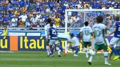 Com Mineirão lotado, Cruzeiro não tem boa atuação e Chapecoense vence por 1 a 0 - Equipe sofre primeira derrota na nova era Luxemburgo.