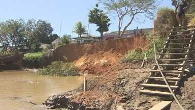 Moradores do dstrito de Calama se preocupam com desbarrancamento que não cessa - Cerca de 100 metros de terra foi levado pelas águas do rio Madeira com o passar dos anos.
