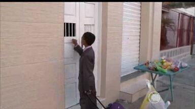 Estudante de 11 anos recolhe livros para montar uma biblioteca na Bahia - Estudante de 11 anos recolhe livros para montar uma biblioteca na Bahia
