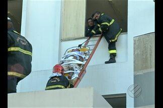 Incêndio atinge prédio do pronto-socorro Mário Pinotti, em Belém - Fogo teria começado por volta de 14h e foi controlado às 17h.