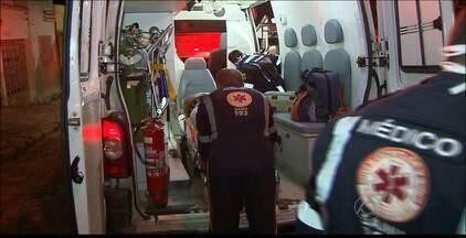 Mulher é baleada na porta de casa em João Pessoa - A vítima teria esperado por mais de 1h a chegada da ambulância.