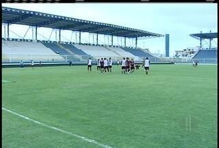 Macaé terá três zagueiros e volta do atacante Pipico para o jogo conta o Botafogo - Jogo será neste sábado às 16h30.