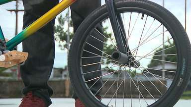 Conheça o flatland, modalidade do bicicross que ganha adeptos na Paraíba - Esporte nasceu nos Estados Unidos, mas já tem competidores no Estado, e mistura bicicleta com movimentos circenses.