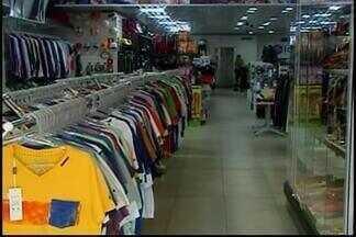 Comércio em Araxá registra queda nas vendas - Movimentação nas lojas do Centro é cada vez menor. Demissões são reflexos de crise
