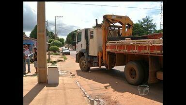 Em Santarém, motociclista fica ferido após ser atropelado por caminhão - Veículos seguiam no mesmo sentido quando acidente ocorreu.