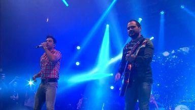 Música sertaneja anima milhares de pessoas no São João de Fortaleza - Zezé di Carmago e Luciano fizeram show no fim de semana.