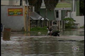 Chuvas castigam a região metropolitana do Recife - De acordo com a Agência Pernambucana de Águas e Clima, a APAC, das nove da manhã de ontem às nove da manhã de hoje, choveu em Olinda 122 milímetros. O equivalente a 30% do esperado para todo mês