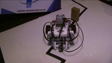 Olimpíada de robótica tem resgate de vítimas de desastre como missão - Estudantes de todo o país se preparam para o evento. Última seleção regional foi realizada no interior de SP.