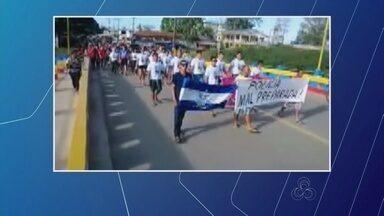 Grupo protesta após morte de jovem em Eirunepé - Vítima teria morta por tenente da PM.