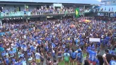 Boi-bumbá Caprichoso vence o 50º Festival Folclórico de Parintins, no AM - Bumbá Caprichoso apresentou o espetáculo 'Amazônia'. Agremiação azul e branco comemorou após anúncio da vitória.