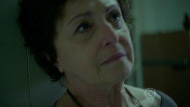 Hilda se envergonha com a situação de Angel - Aposentada agradece a Darlene pelo apoio recebido