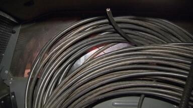Polícia prende bandidos que roubavam cabos de energia - Os policiais flagraram na quadra 408 Sul por volta das 2 horas da manhã desta sexta-feira (3).