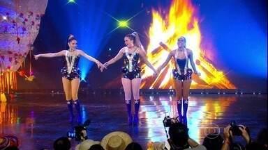 As Empreguetes pularam fogueira em Cheias de Charme em 2012 - Veja o sucesso do trio que estourou nas paradas musicais da ficção