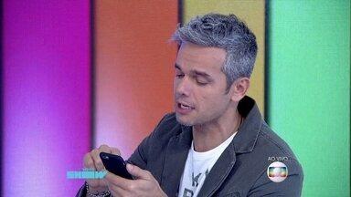 Otaviano Costa lê elogios dos fãs por causa de sua barba - Monica Iozzi se diverte com a fama do apresentador