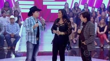 Chitãozinho e Xororó contam como pensaram em desistir da carreira - Dupla decidiu insistir na música sertaneja após ouvir música de Raul Seixas