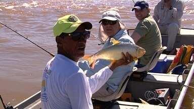 Jornal Anhanguera mostra histórias de pescadores do Araguaia, em Goiás - Rio é um dos principais atrativos turísticos durante as férias escolares de julho.