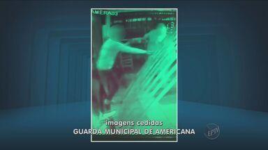 Câmera de segurança mostra ação de assaltantes em Americana - Um comerciante teve duas lojas roubadas em um mês.