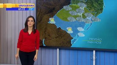 Tempo: frente fria avança para o Norte e pode provocar queda de granizo - Risco é maior no Norte e na Serra do RS.