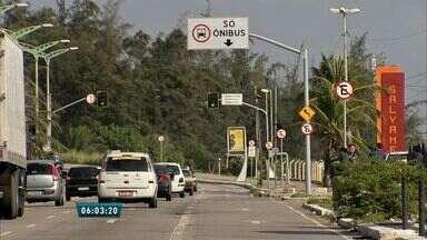 Ciclofaixa da Avenida Leste Oeste começa a funcionar em Fortaleza - Aumento de ciclofaixas tem diminuído número de acidentes de ciclistas.