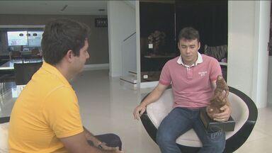 Renato Cajá sai da Ponte Preta - O jogador já viajou para os Emirados Árabes e revelou o desejo de um dia voltar para a Ponte, mas fora dos gramados. A ponte não vence há quatro jogos.