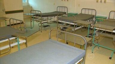 Hospital pronto há 15 anos continua sem uso no Rio Grande do Sul - O hospital de Barra do Ribeiro teria capacidade para atender 500 pacientes por dia. O dinheiro da construção foi doado pela população da cidade.
