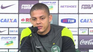 Jovem da base vai ganhar mais uma chance no Coritiba - Coxa precisa reagir no Brasileirão e vai encarar o Figueira com um time bem modificado